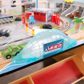 circuit-international-florida-cars-3-disney-pixar jouets-des-bois-circuit-international-florida-cars-3-disney-pixar-18014-kidkraft-jouet-en-bois