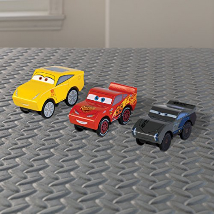 jouets des bois set de 3 voitures en bois car 3 disney piston cup kidkraft 17214 jouet en bois. Black Bedroom Furniture Sets. Home Design Ideas